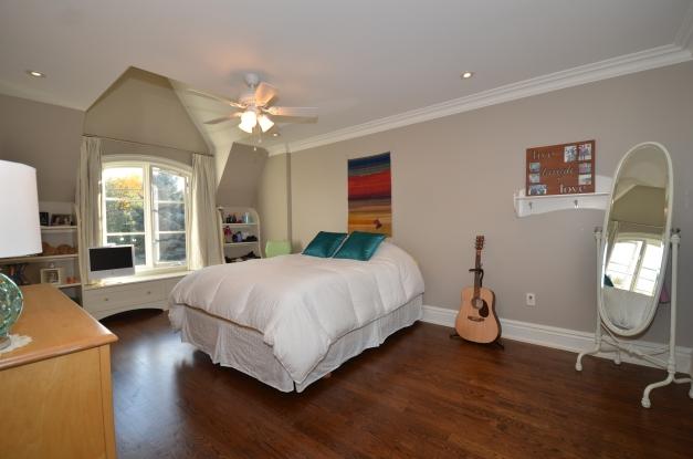 Bedroom 3 DSC_8294