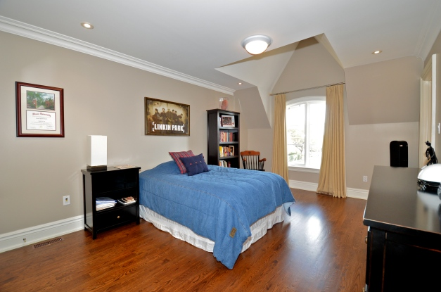 Bedroom 4 DSC_8297